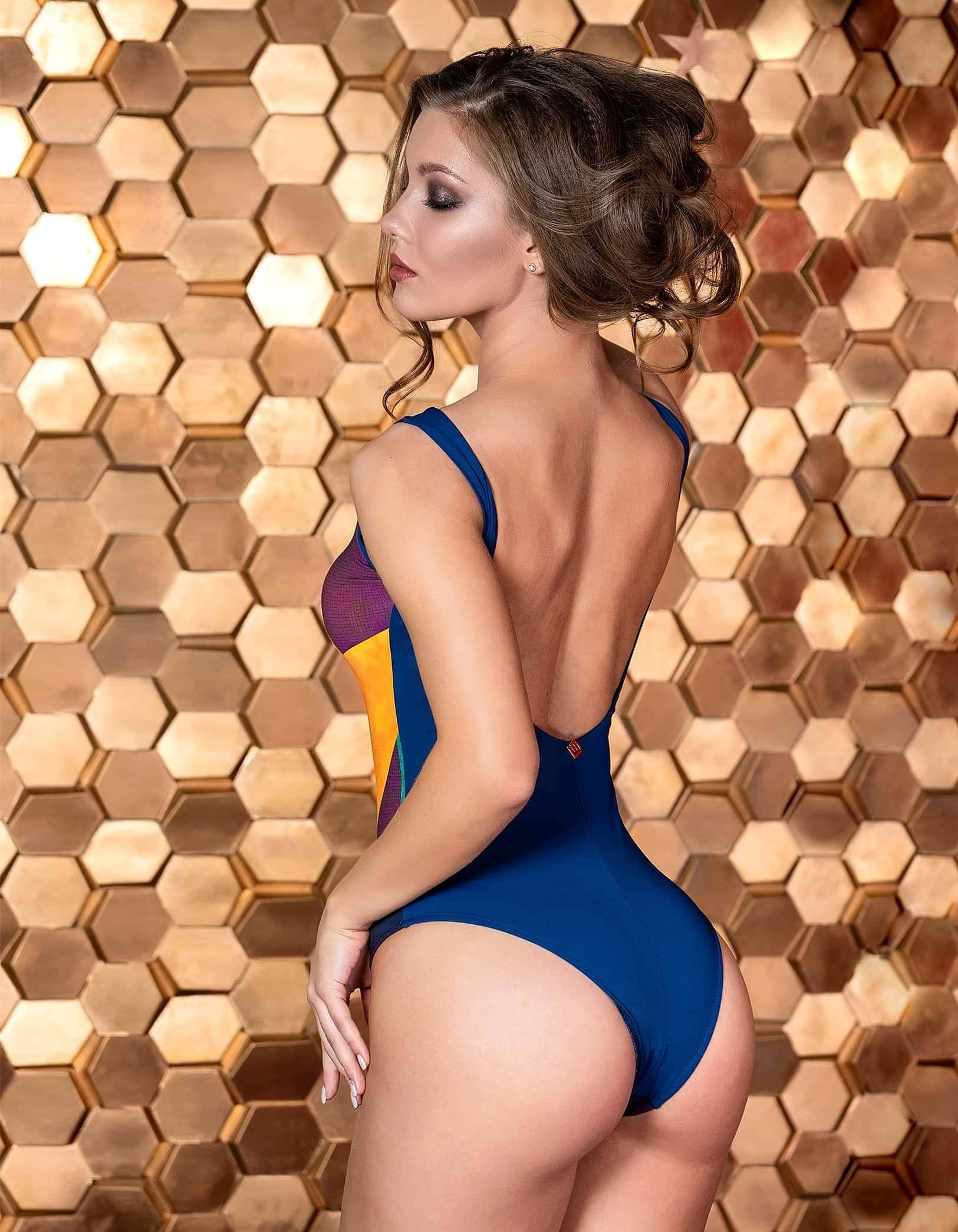 Body Bañador estampado multicolor abstracto y espalda al aire Azul   Pantanal B