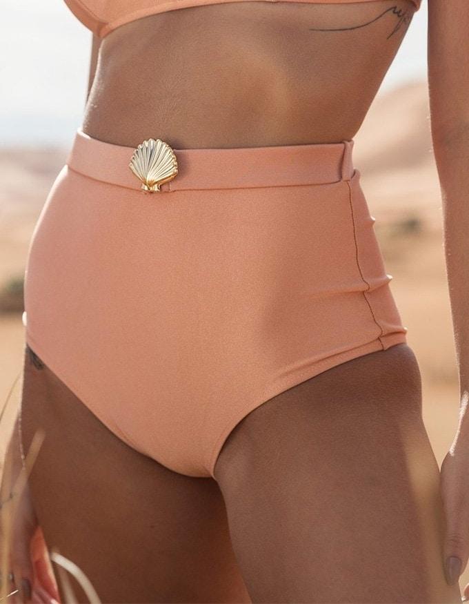 Bikini salmón con cierre de Oro + Braguita Bikini salmón hot pants con hebilla dorada de Oro Safim B