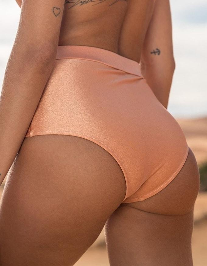 Bikini salmón con cierre de Oro + Braguita Bikini salmón hot pants con hebilla dorada de Oro Safim D