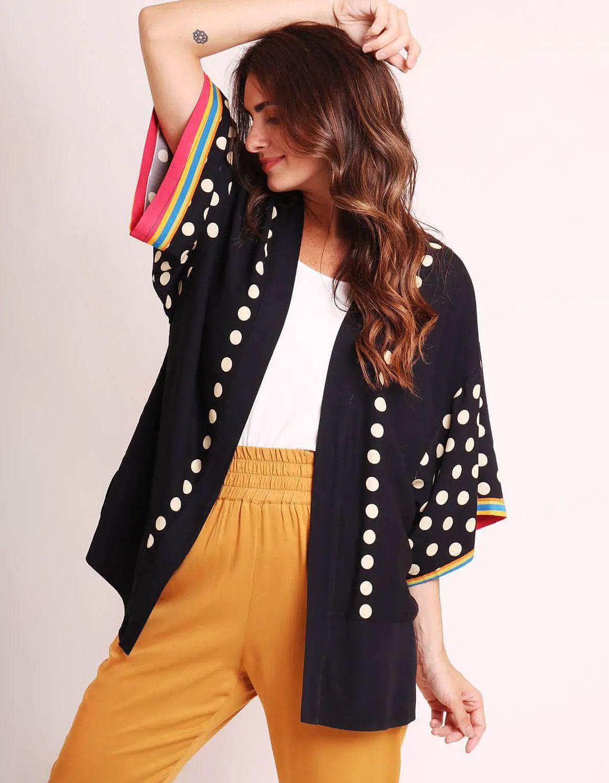 Kimono mujer negro o blanco de verano tipo pareo y estampa tropical Malagueta-72440MAL-D
