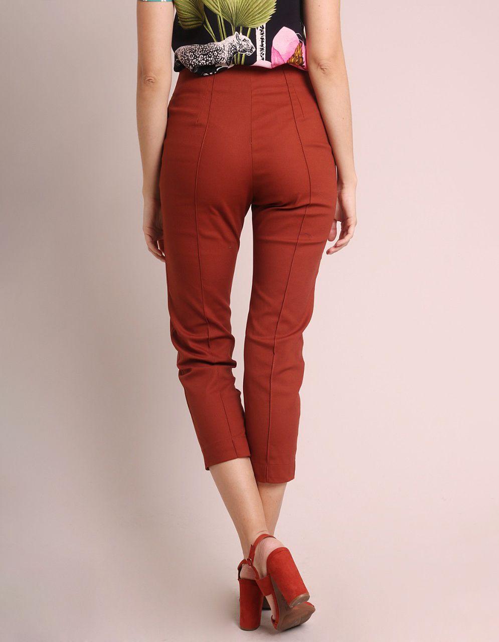 Pantalón Capri algodón marrón, azul oscuro o gris, cremallera frontal y bolsillos laterales Malagueta-72143MAL-F