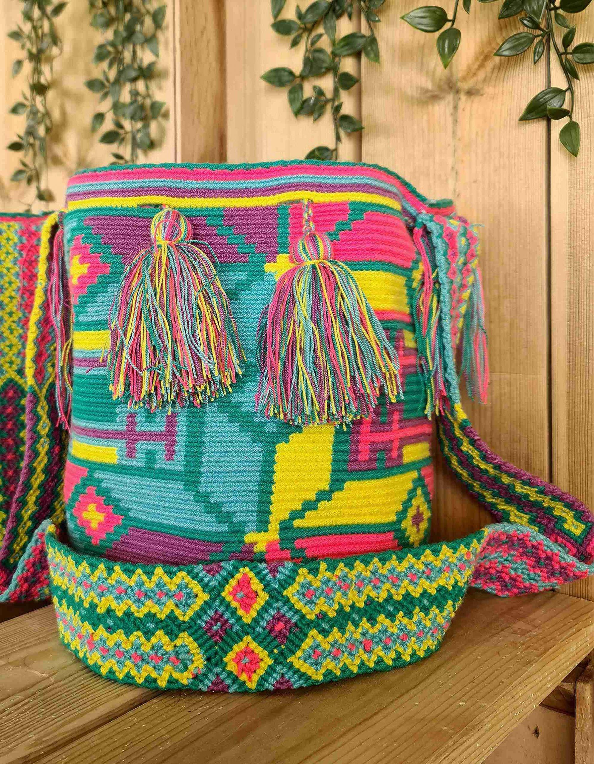 Bolso Wayuu Artesanal, Auténtico y Original (sólo 1 igual) MOTIVOS TRIBALES D
